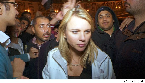 lara logan attacked in egypt raw video. lara logan assault cell phone